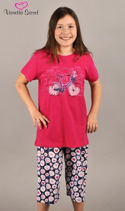 Dívčí pyžamo - Láska a cestování
